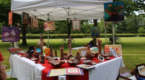 Exposition en plein air peintures et sculptures